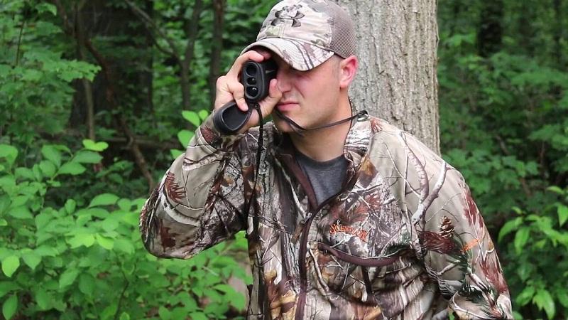 hunter using a rangefinder